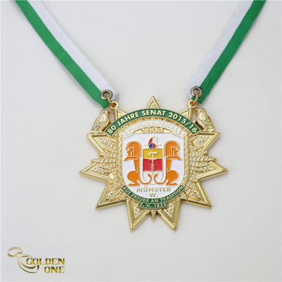 Custom Fancy Design Soft Enamel Runing Sport Medallion